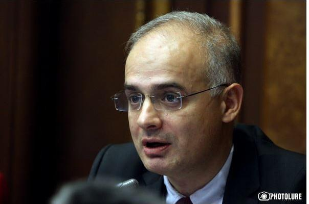 Armenian opposition bloc calls for revising parliamentary election date