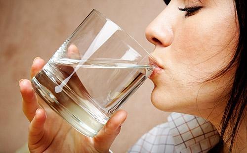 Տաք ջուր խմելու 12 պատճառ․․․թեփի,պզուկների,վաղաժամ ծերացման,կոկորդի ցավի,հազի դեմ համարվող լավագույն միջոց