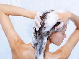Սխալներ, որ թույլ ենք տալիս մազերը լվանալուց, և փչացնում մազերը