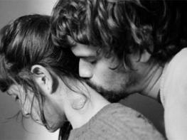 8 բան, որ տղամարդիկ անում են միմիայն, երբ հանդիպում են իրենց կյանքի մեծագույն սիրուն