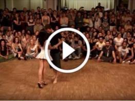 Տղան պարզապես աղջկան պարի հրավիրեց. այն ինչ արեց աղջիկն ուղղակի ապշեցուցիչ է