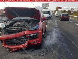 Խոշոր ավտովթար Կոտայքի մարզում. բախվել են նախարարի աշխատակազմի ղեկավարի օգնականի՝ «գոլդ» համարանիշներով Porsche Cayenne-ն ու ՌԴ քաղաքացու «06»-ը. կան վիրավորներ