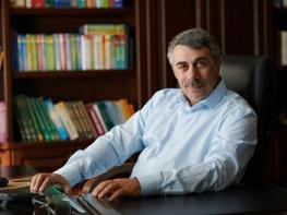 Ինչու չպետք է բուժել հազը հեռուստացույցից գովազդվող դեղերով. Պարզաբանում է բժիշկ Կամարովսկին