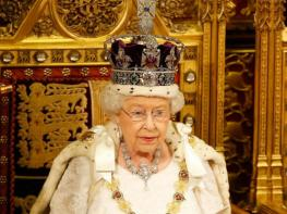 Queen Elizabeth II urged to abdicate on Sapphire jubilee