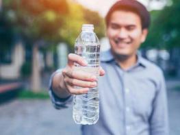 Պարզվում է՝ սրտի առողջության համար անհրաժեշտ է պարզապես շատ ջուր խմել, այո՛, այո՛, հասարակ ՋՈՒՐ